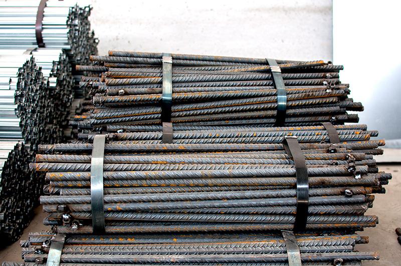 Picas de acero corrugado